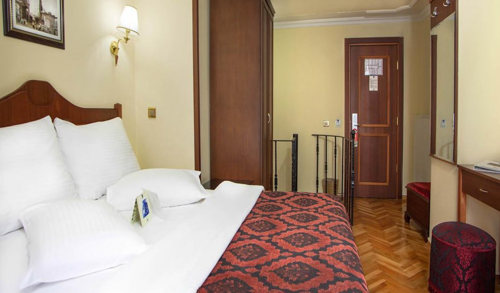 Amber Hotel (9)