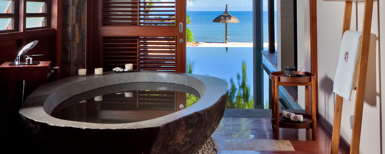 Angsana-Balaclava-Mauritius-Acc-BeachFront-Pool-Suite (1)