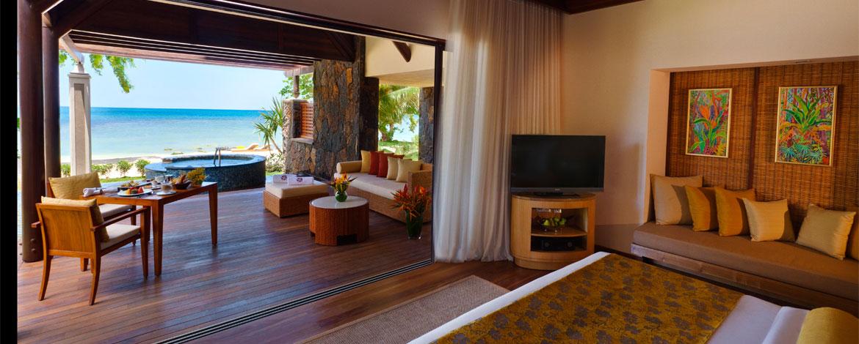 Angsana-Balaclava-Mauritius-Acc-BeachFront-Pool-Suite (4)