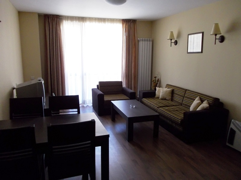 Apartment Hall 1