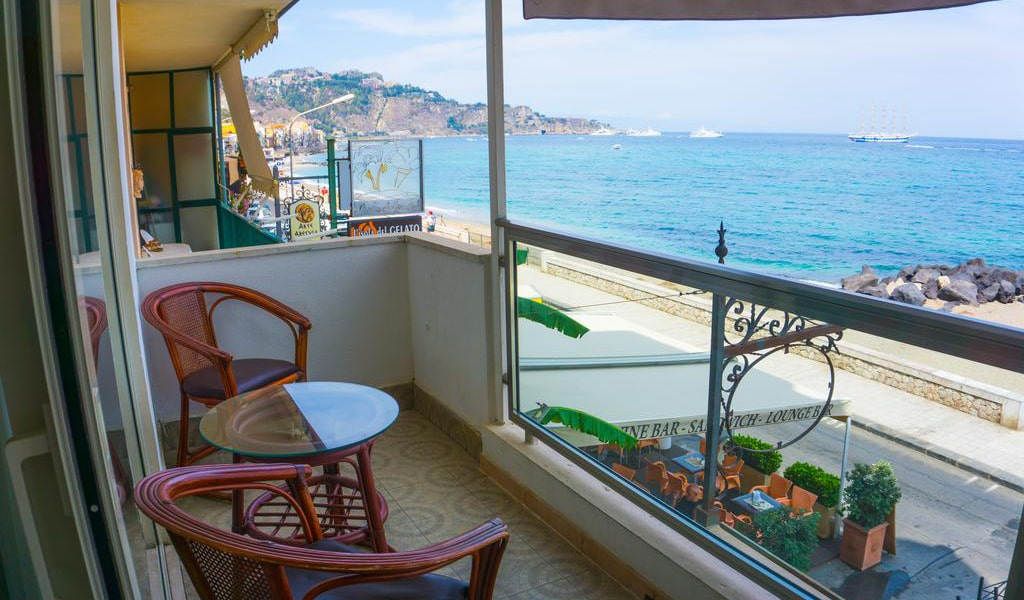 Apartment with Sea View2-min