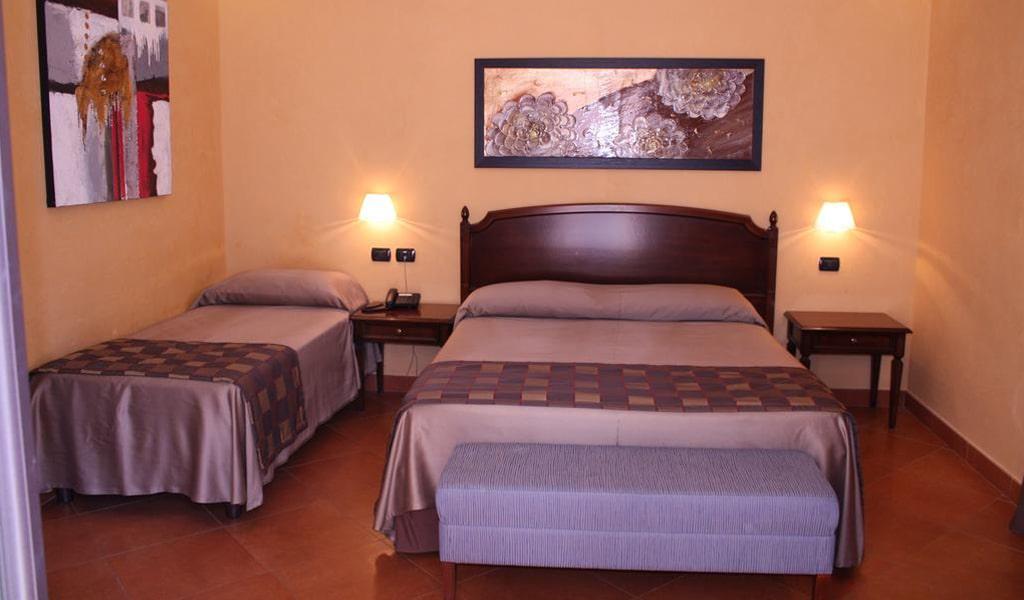 Artemis Hotel (1)