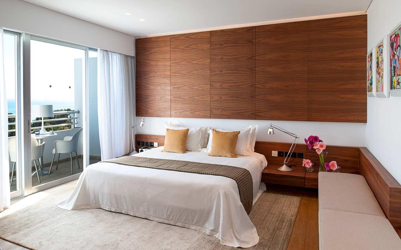 Aura-Suite-Bedroom