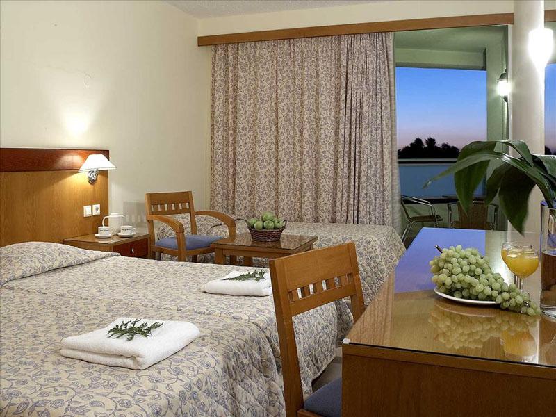 Avra Beach Hotel (1)