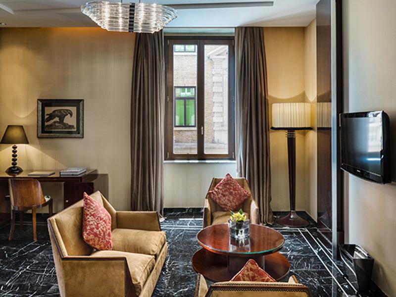Baglioni_Hotel_Regina_Dolcevita_Suite5