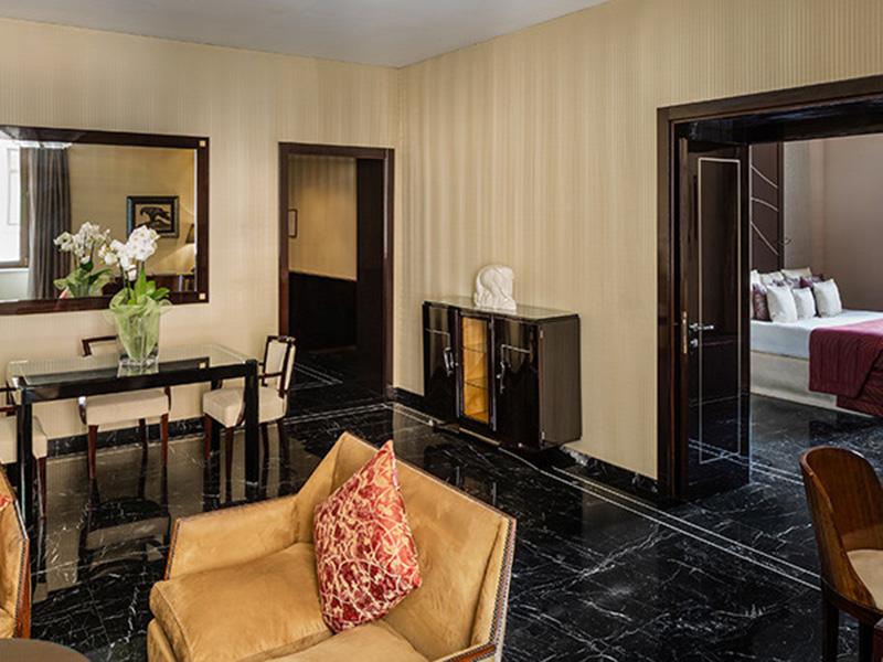 Baglioni_Hotel_Regina_Dolcevita_Suite_27-720x450