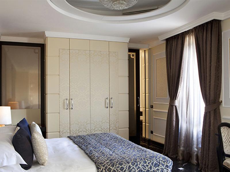 Baglioni_Hotel_Regina_Grand-Deluxe4