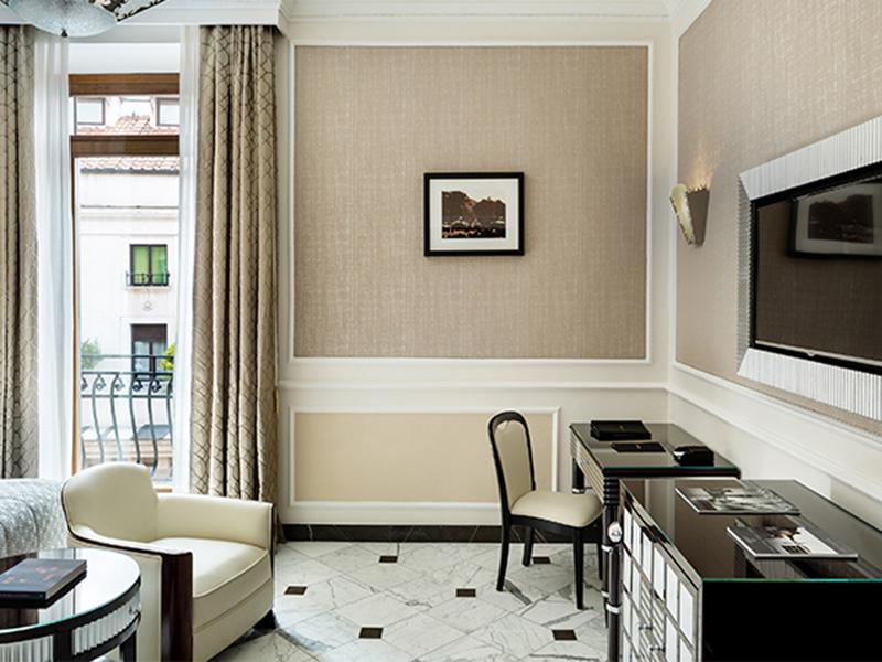 Baglioni_Hotel_Regina_Grand_Deluxe_44