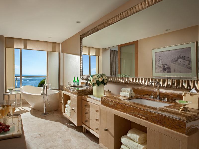Baron Suite - Ocean View Bathroom