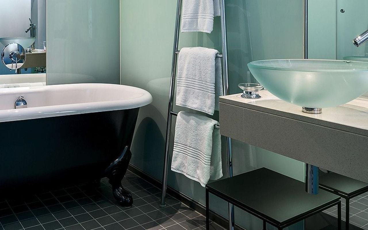Bathroom_Designhotel_Wien_LeMeridien-1-min