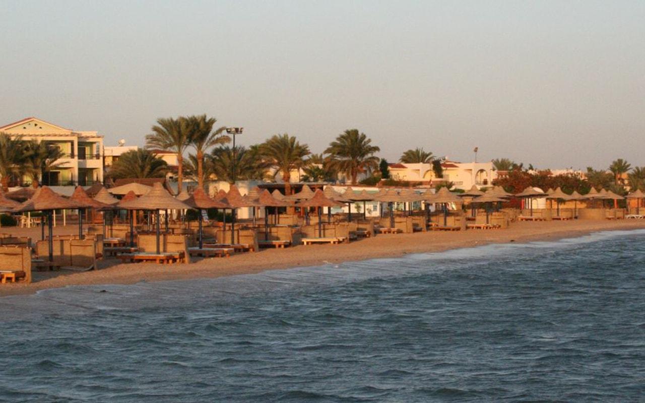 Beach 3_1-min