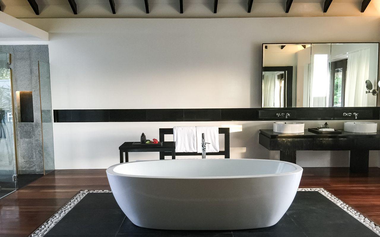 Beach Sunset Pool Villa - Bathroom (3)