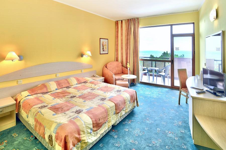 Berlin Green Park hotel room