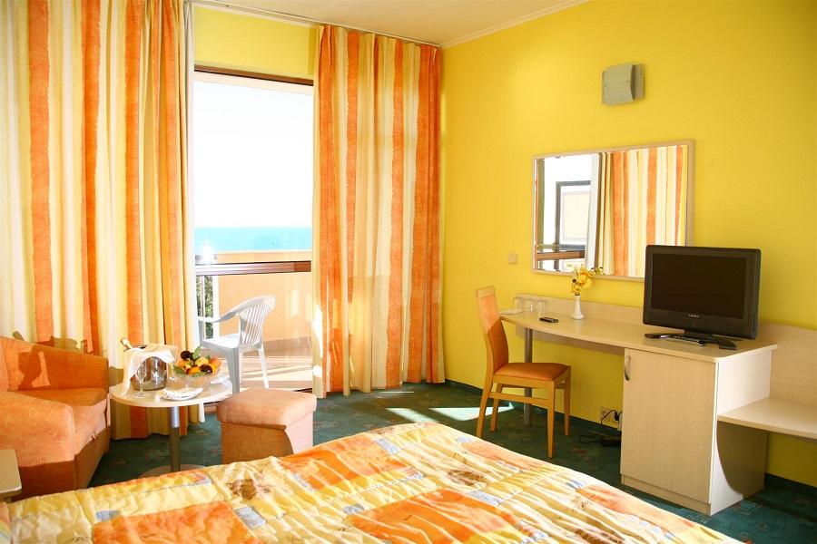 Berlin Green Park room
