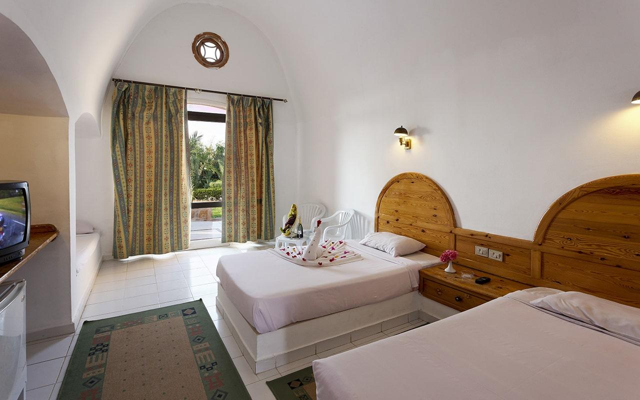 Bungalow Room2-min