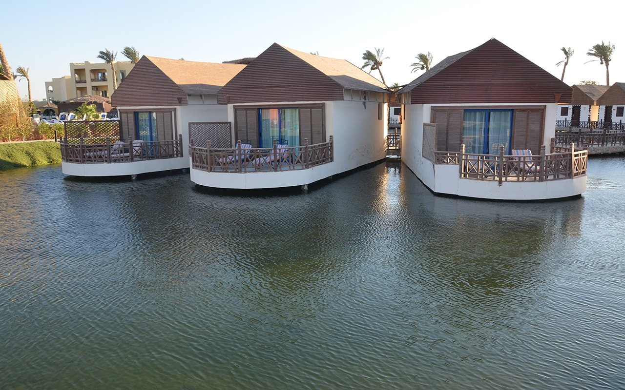 Bungalows Over Water-min