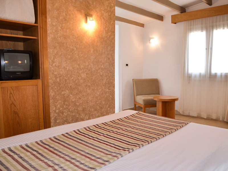 Bungalows Room (4)