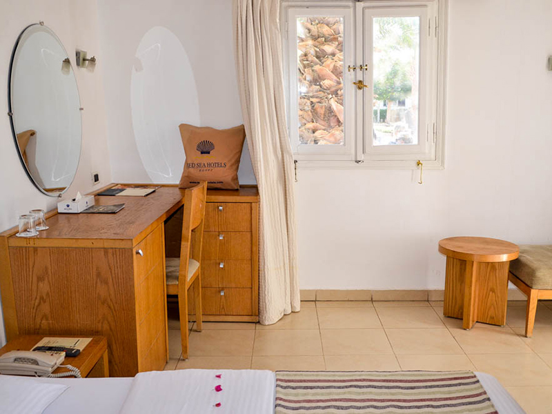 Bungalows Room (8)