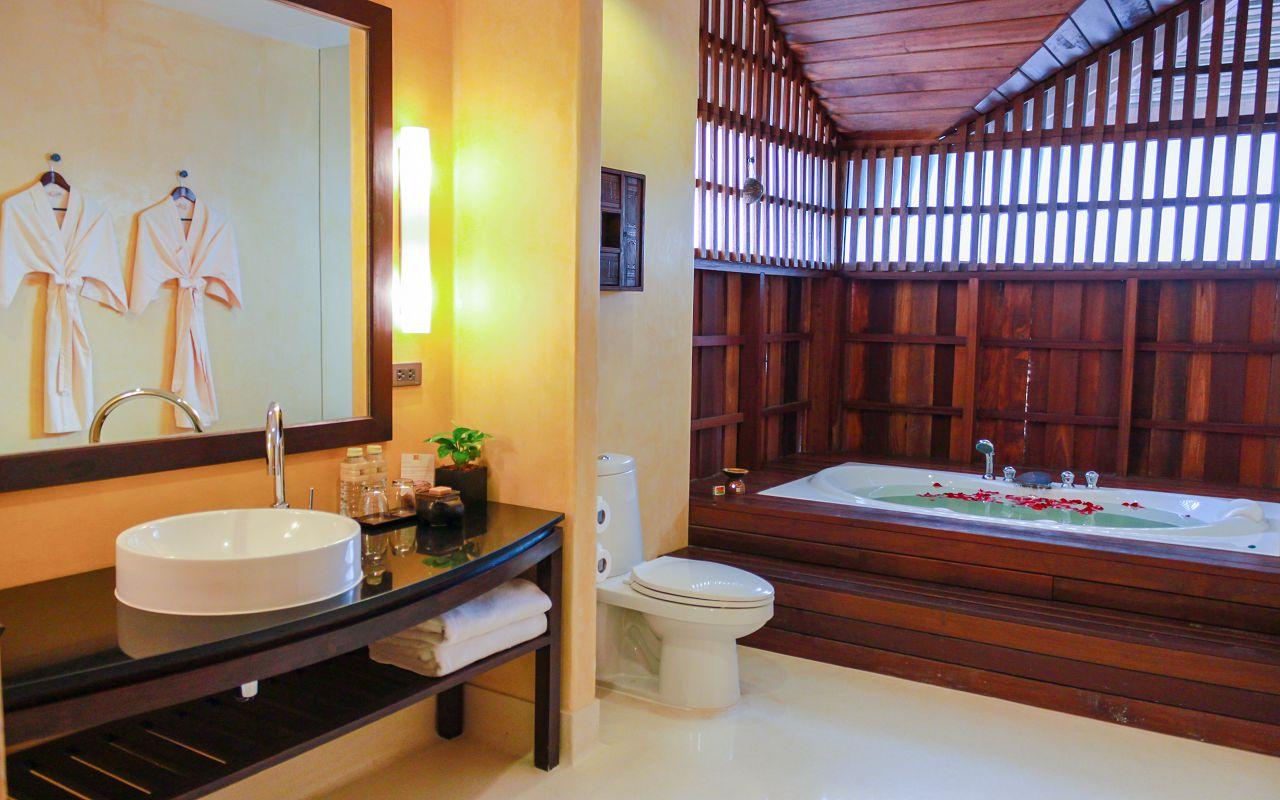 Buri Rasa Village Koh Samui-Deluxe Family Suite 05-Restroom