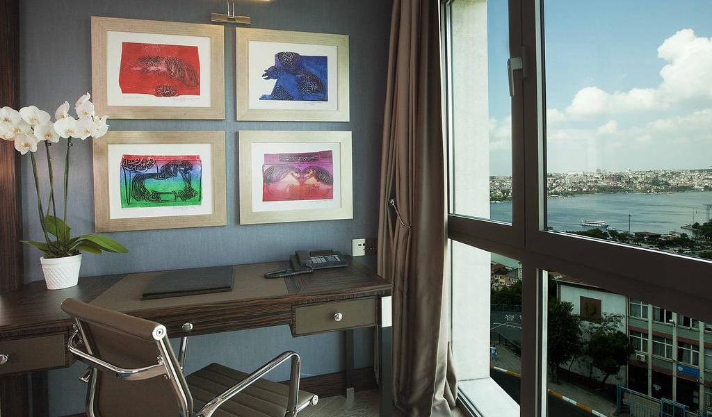 Business Class Room with Sea View - Business Lounge Access 4-min