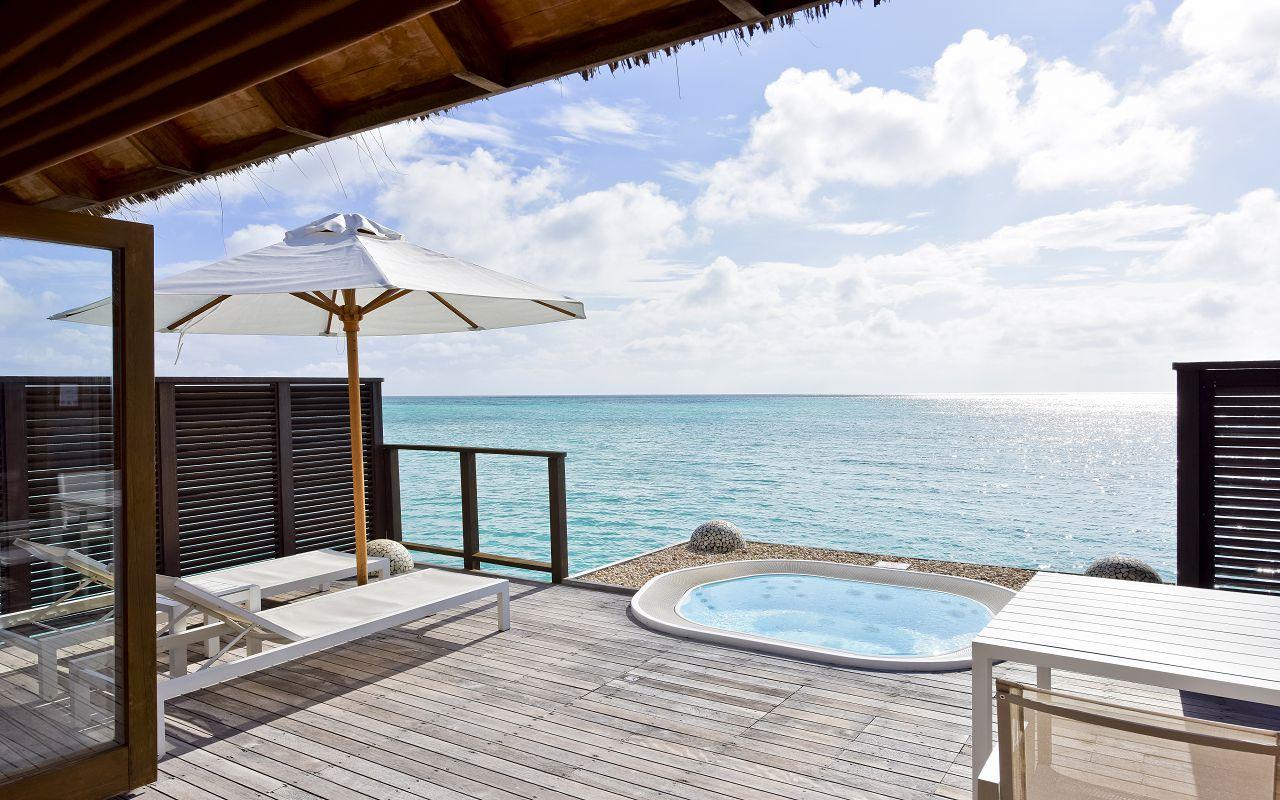 CMRI_Deluxe Water Villa Deck