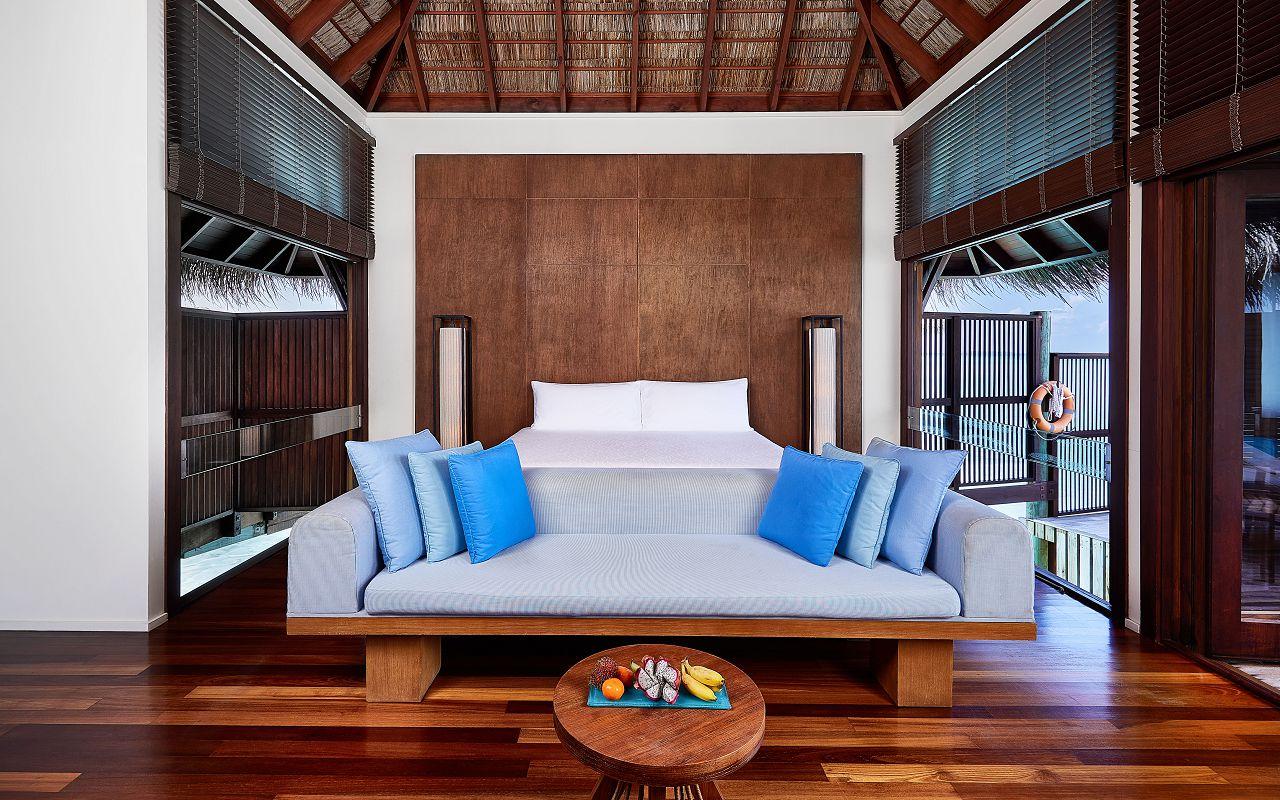 CONRAD MALDIVES RANGALI ISLAND_Villas_2-Bedroom Grand Water Villa King Bedroom_credit Justin Nicholas hi-res