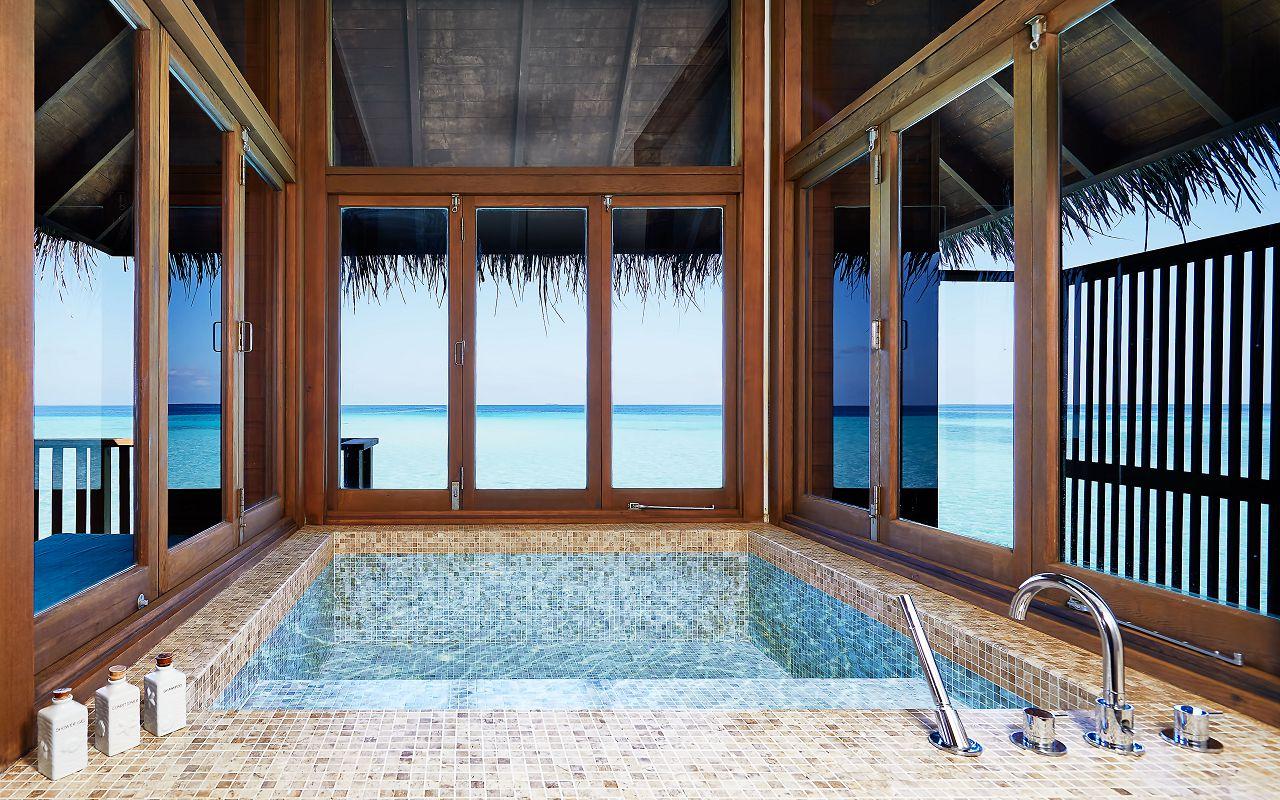 CONRAD MALDIVES_2-Bedroom Grand Water Villa_bathroom_architectural_credit Justin Nicholas - hi-res