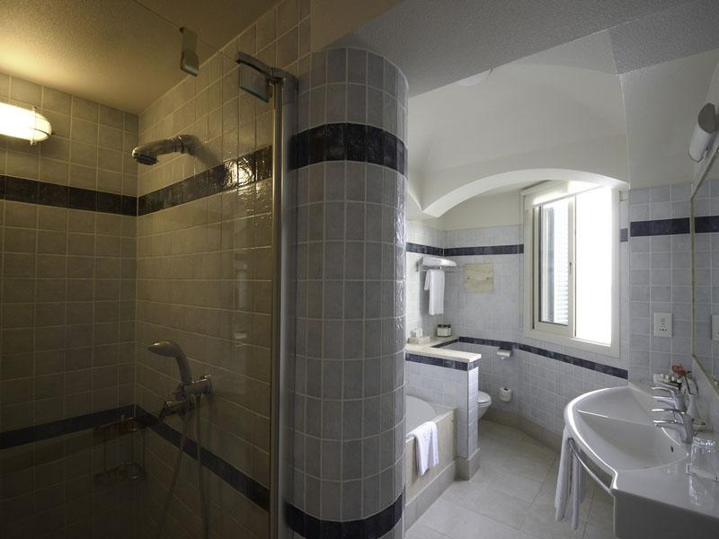 Cape Suite Bathroom