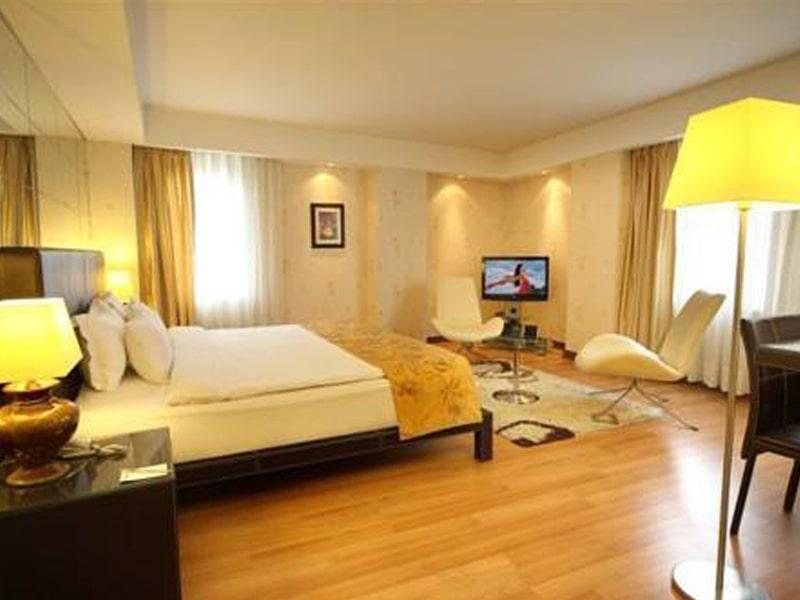 Cartoon Hotel (16)