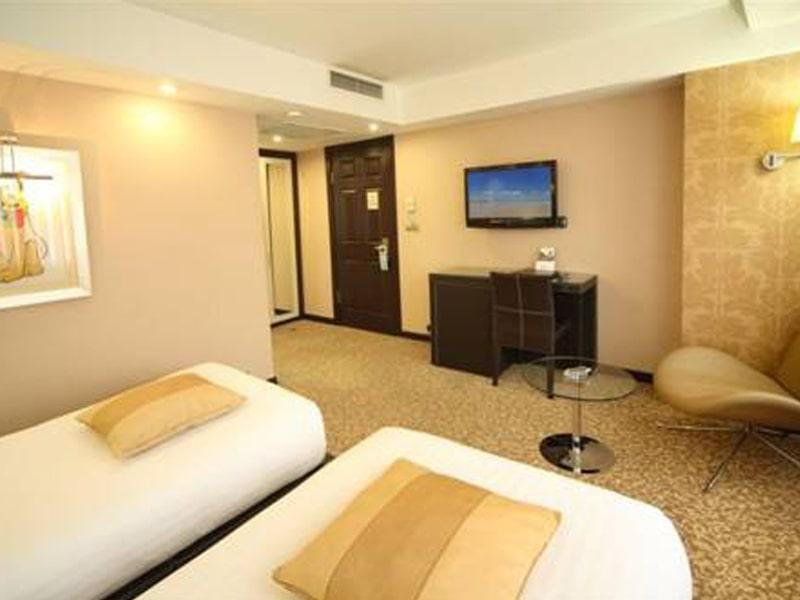 Cartoon Hotel (17)