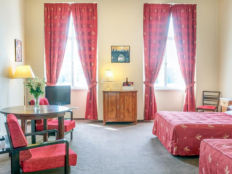 Castle View Junior Suite4