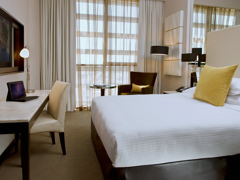 Centro Room (Queen Bed)