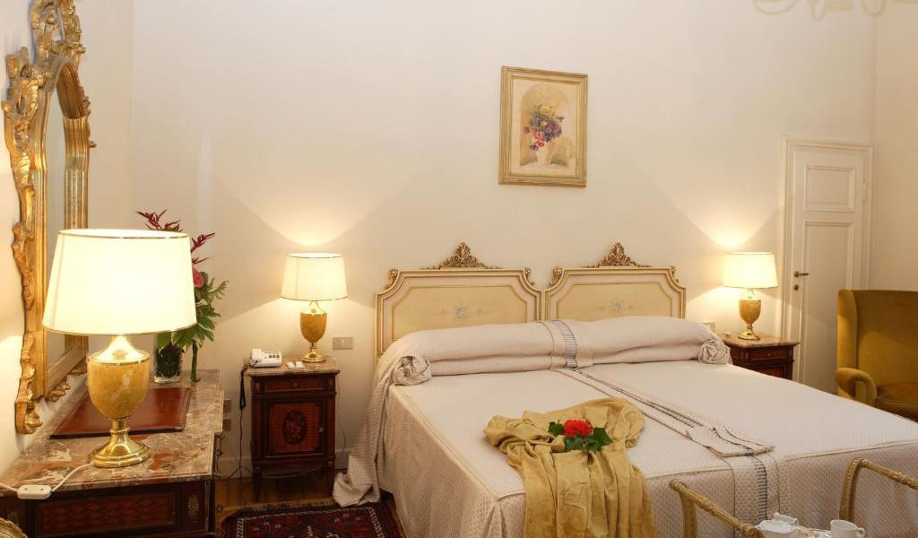 Classic-Double-Room-with-Spa-Access-min