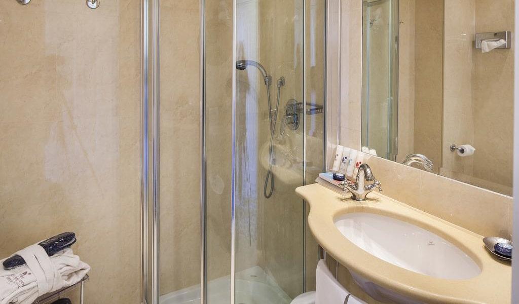 Comfort Double Room11-min