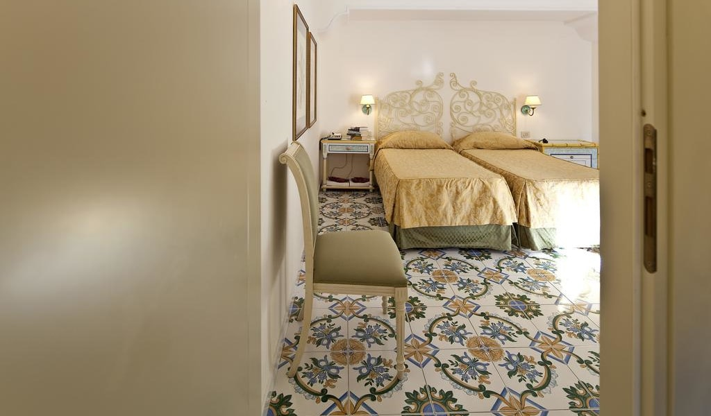 Comfort Double or Twin Room 3-min