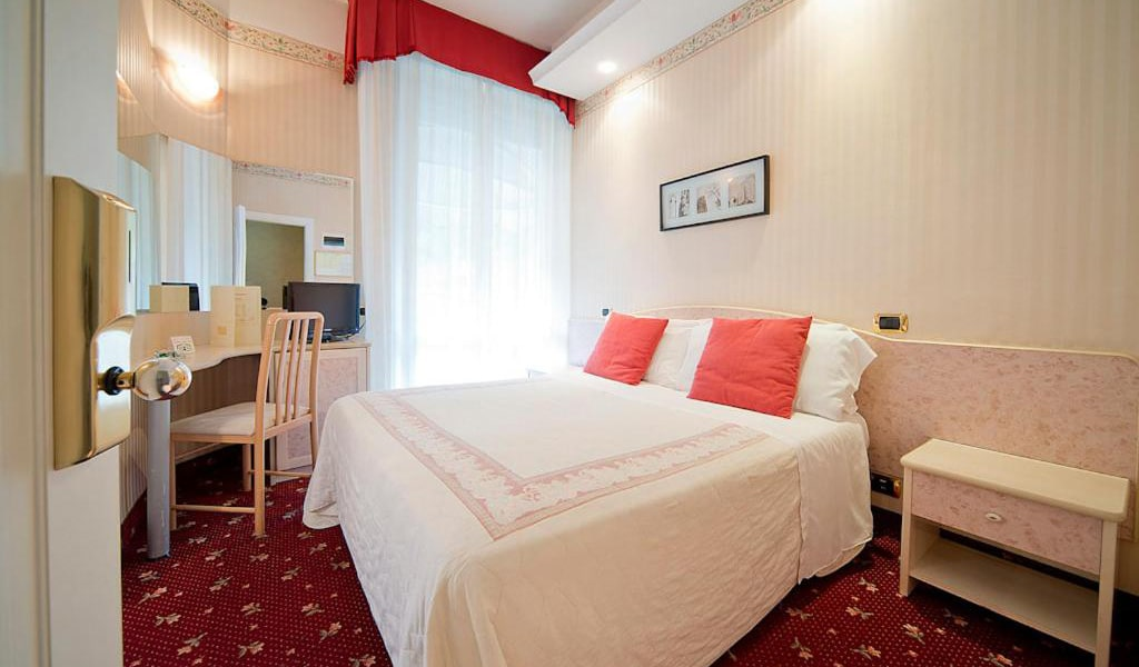 Comfort-Double-or-Twin-Room-min