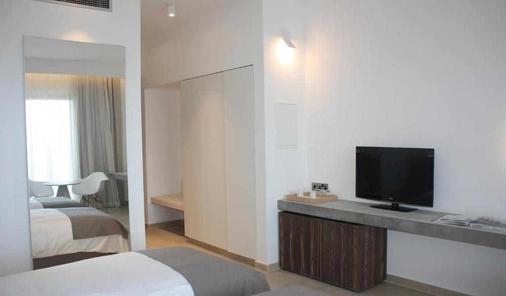 Comfort-Superior-Room-min