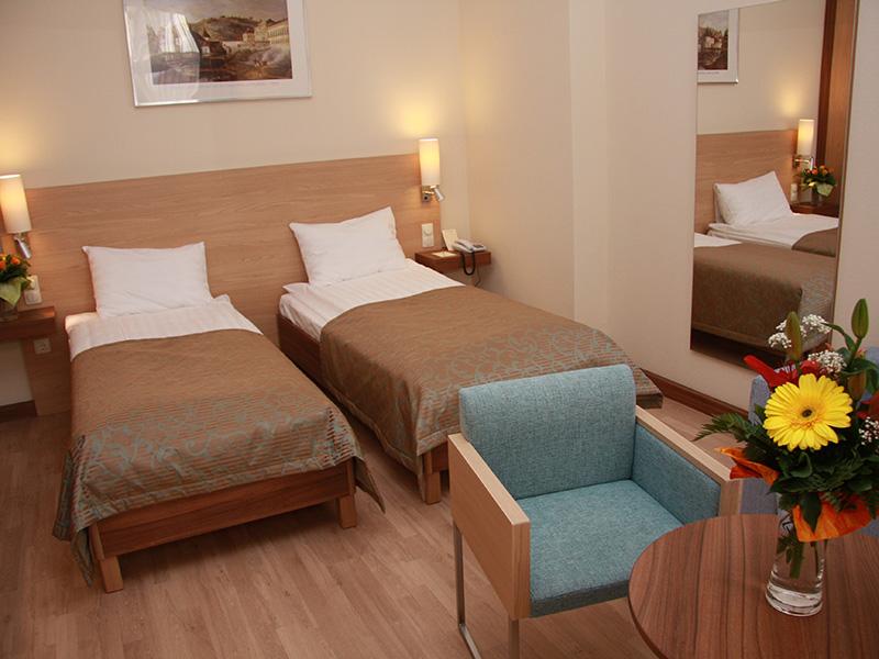 Comfort Triple room2