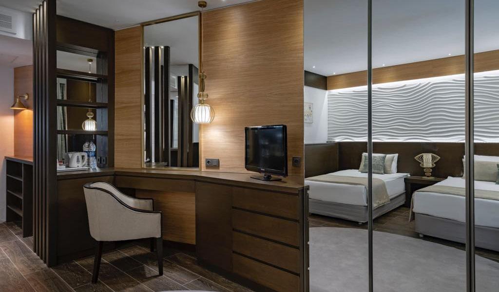 Comfort_Club_Room2-min
