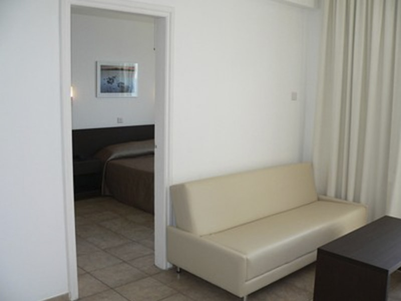 Costantiana Beach Hotel Apts (1)