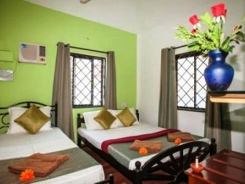 DELUXE-FAMILY-ROOM-AC-ROOM-AND-NON-AC-ROOM-FOR-04-PAX-min