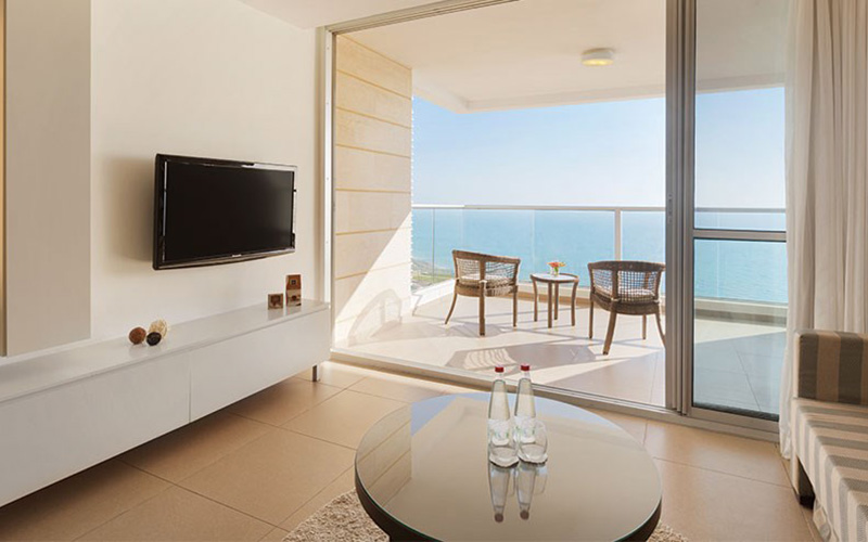 DELUXE HIGH FLOOR SUITE, PARTIAL SEA VIEW, BALCONY8