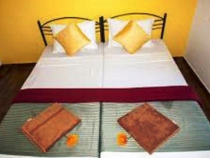 DELUXE-ROOM-AC-ROOM-AND-NON-AC-ROOM-FOR-02-PAX-min