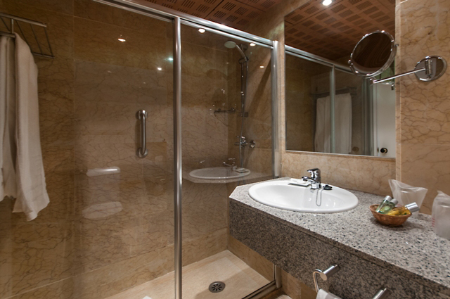 DOUBLE ROOM SINGLE USE LATERAL SEA VIEW4
