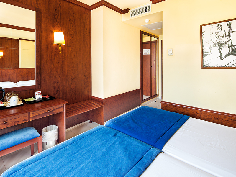 DOUBLE ROOM second2