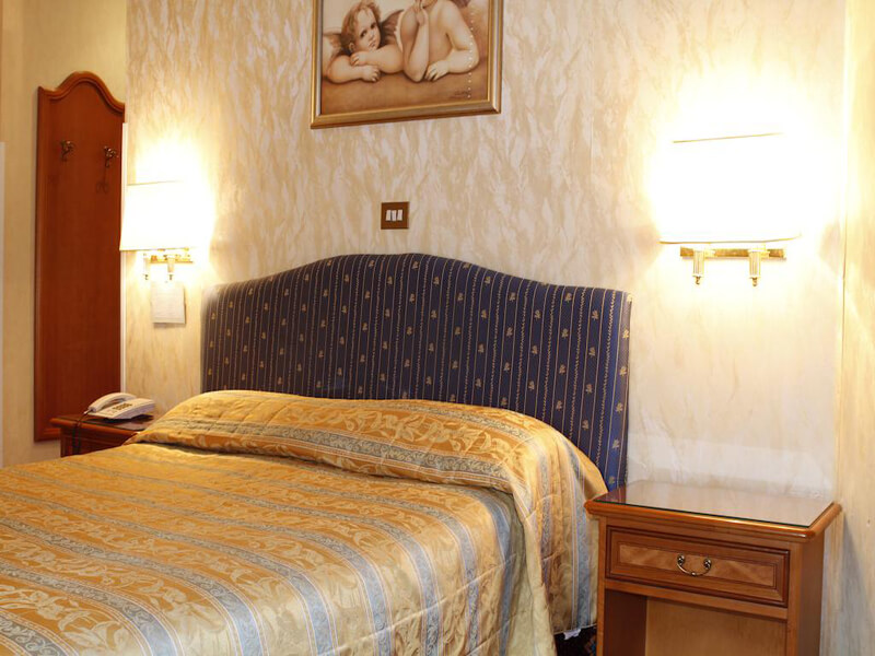 DOUBLE ROOMS2