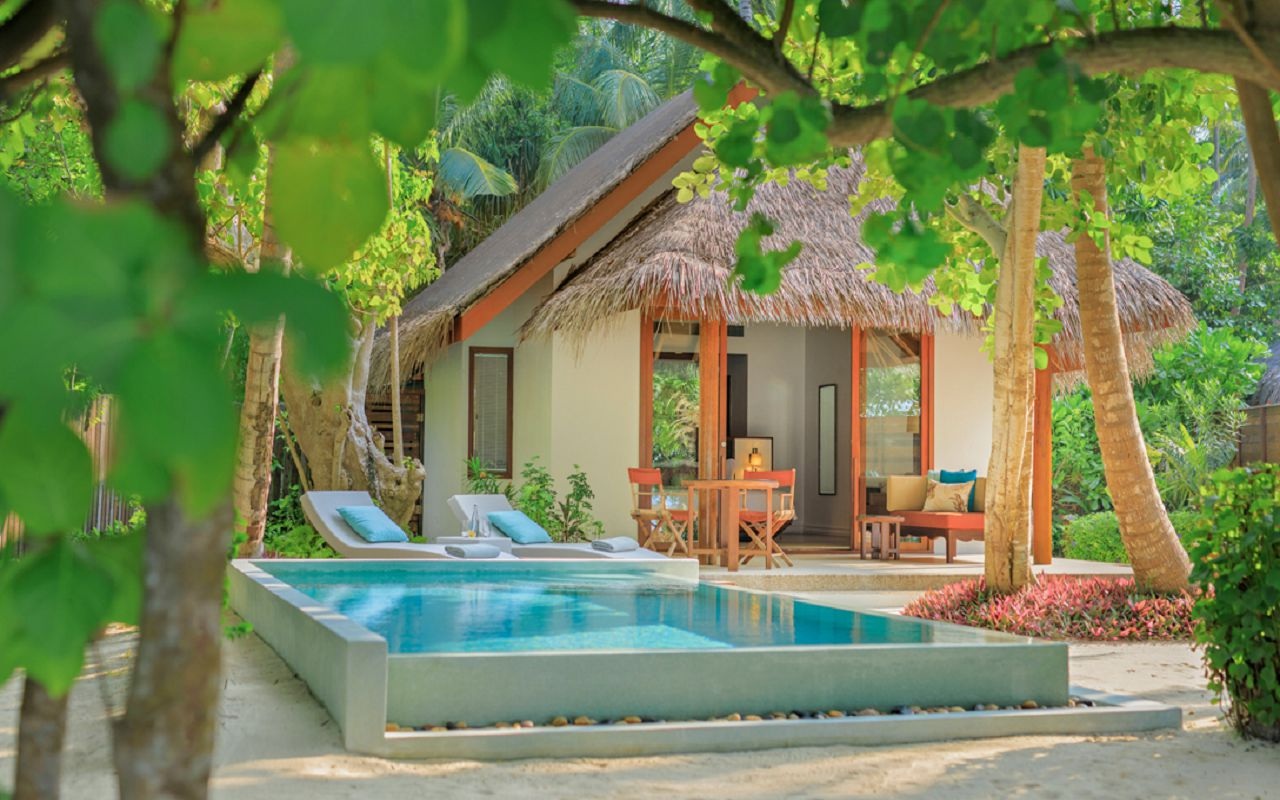 DTMD_Accom_Beach-Deluxe-Villa-With-Pool-Exterior