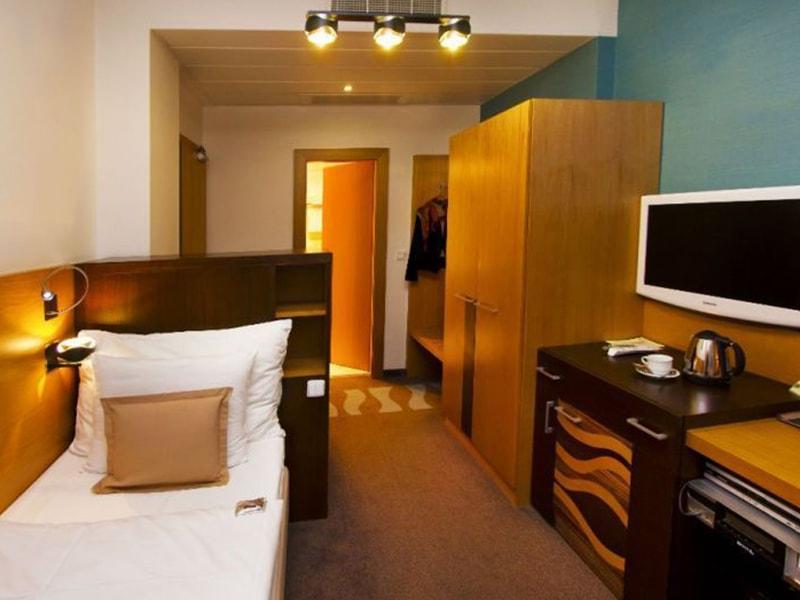 Danubia Gate Hotel (24)