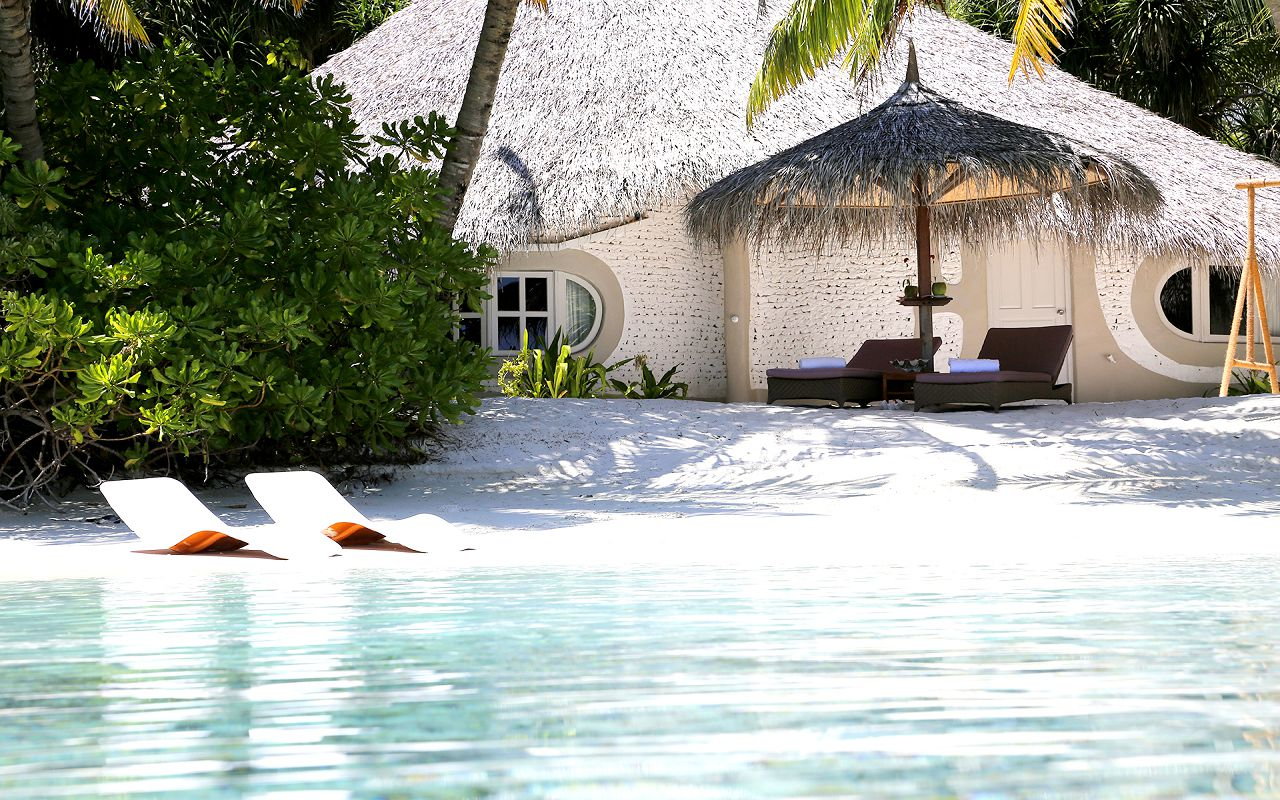 Deluxe Beach Villa (2)