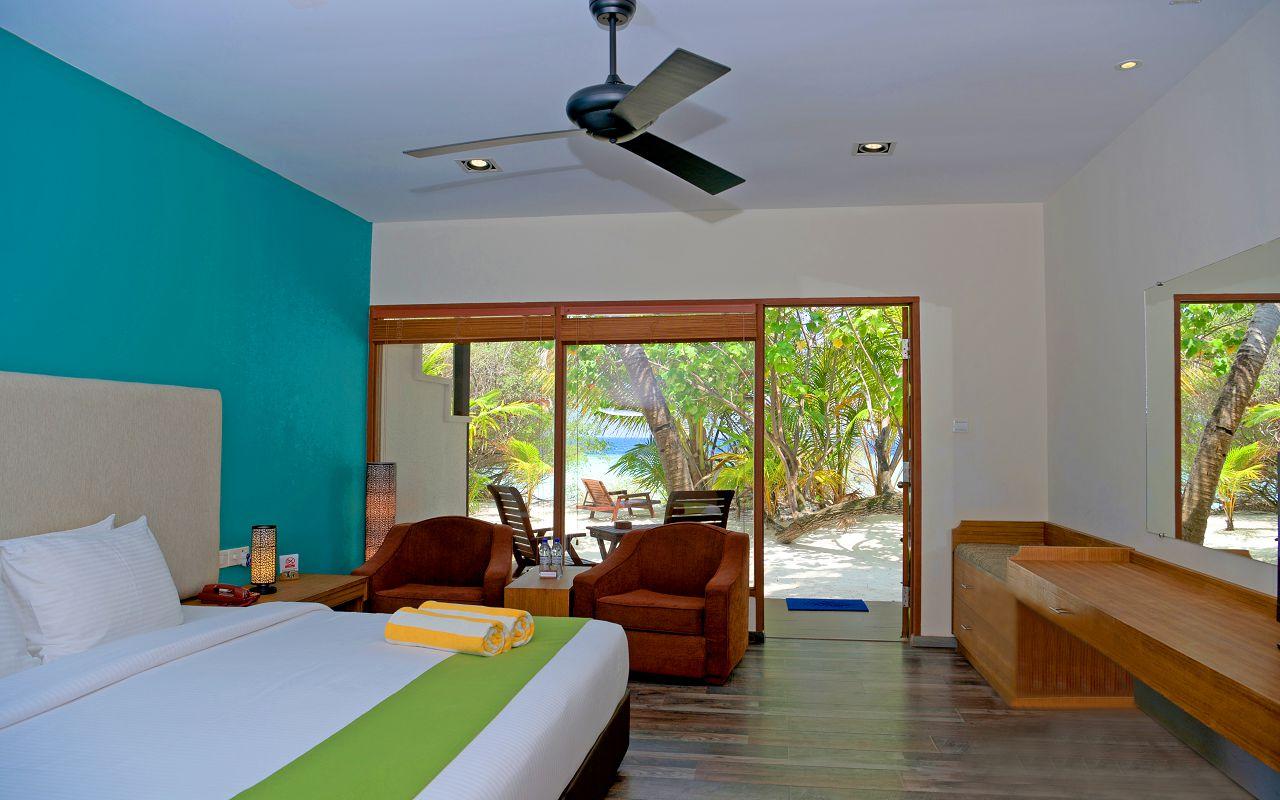 Deluxe Beach Villa 4